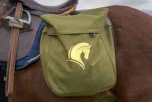 Reisetasche für einen stressfreien Urlaub mit Pferd – Horsia Ratgeber